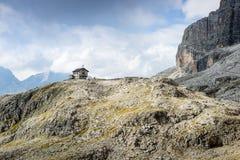 Schuilplaats in het Dolomiet Stock Foto