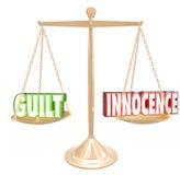 Schuld versus van het de Schaaloordeel van Onschuld 3d Woorden Gouden Besluit Verdic stock illustratie