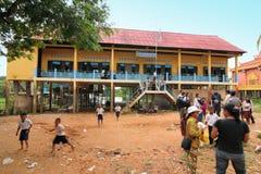 Schule bei Kambodscha Stockbild
