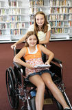 Schule-Bibliothek - Hilfe Lizenzfreie Stockfotografie