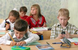 Schule ?hildren am Klassenzimmer Lizenzfreies Stockbild