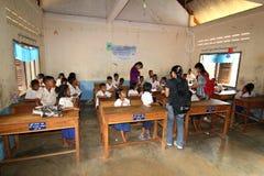 Schule in Kambodscha Stockbild