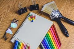 Schule stationär und Büroartikel Lizenzfreie Stockfotos