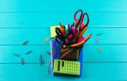Schule- und Bürozubehöre Lizenzfreie Stockbilder