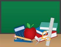 Schule-Zubehör mit Tafel Stockfotos