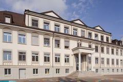 Schulgebäude-Fassade Lizenzfreie Stockfotos