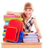 Schulkind-Holdingstapel Bücher. Stockbilder