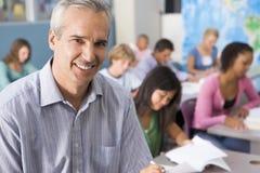 Schulkinder und ihr Lehrer in der Kategorie Lizenzfreies Stockfoto