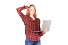 Schulmädchen mit Laptop Lizenzfreies Stockbild