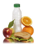 Schulmahlzeit-Apfelmilchsandwich und -orange Lizenzfreie Stockbilder