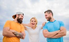 Schulter, auf die Sie bauen können Gefühl bequem mit Freundmannschaftskameraden Vertrauens- und Stützattribute des wahren Teams lizenzfreie stockfotos