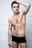 Schulterfreier Mann der Mode Lizenzfreie Stockfotos