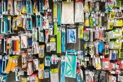 Schulwerkzeuge auf Supermarkt-Stand Lizenzfreies Stockfoto