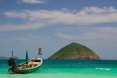 Schusses gebildet von der Phi-Phi Insel am Ende Februar lizenzfreie stockfotos