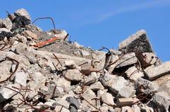 Schutt von einem demolierten Gebäude Stockbild