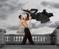 schutter Paar van dansers dansende balzaal Royalty-vrije Stock Foto's