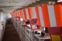 Schutz für werfende Fallen für fliegende Ziele des Lehms - Skeet, Wurfscheibenschießen stockfotografie