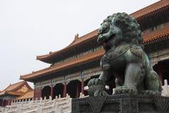 Schutz Lion, Peking, China der Verbotenen Stadt lizenzfreie stockfotografie