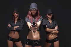 Schutz mit drei sexy Mädchen Lizenzfreies Stockfoto