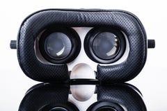 Schutzbrillen der virtuellen Realität auf Schwarzem Lizenzfreie Stockfotografie