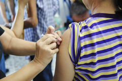 Schutzimpfung gegen Grippeimpfstoff lizenzfreies stockfoto
