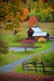 Schuur in de kant van het land van Vermont stock foto