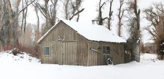 Schuur in de sneeuw Royalty-vrije Stock Foto's