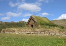 Schuur op het middeleeuwse landbouwbedrijf in IJsland Stock Fotografie