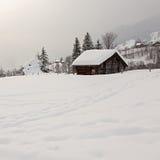 Schuur op Sneeuwgebied royalty-vrije stock foto's