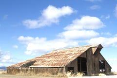 Schuur & Wolken Royalty-vrije Stock Foto's