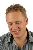 Schuwe toevallige blonde kerel Royalty-vrije Stock Afbeelding