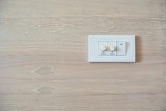 Schwächere Schalter- und Lichtschalter Schalttafel Stockbild