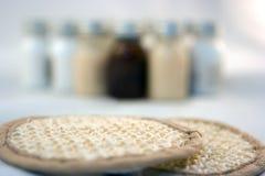Schwämme und Flaschen Lizenzfreie Stockbilder