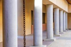 Schwab bostads- mittkolonnad arkivbilder