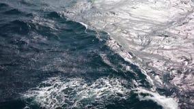 Schwache Seeaufregung stock footage