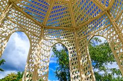 Schwalbenpavillon dymówki pawilon w zdroju parku Zły Schwalbach, Niemcy zdjęcia stock