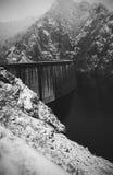 Schwall, hydroelektrisch stockfotografie