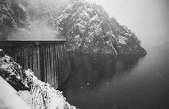 Schwall, hydroelektrisch lizenzfreie stockbilder