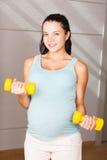Schwangere Frau des Active Stockfotos