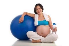 Schwangere Frau des Active Lizenzfreies Stockfoto