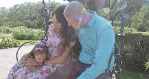 Schwangere Frau mit Familie stock video footage