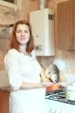 Schwangere Frau mit Lachsen Stockbilder