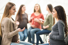 Schwangere Frauen Stockfotos