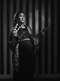 Schwangere Hollywood-Frau lizenzfreies stockfoto