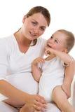 Schwangere Mamma und Schätzchen Stockfotografie