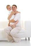 Schwangere Mutter mit Sohn stockfoto