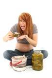 Schwangerschaft-Essiggurken und Eiscreme Lizenzfreie Stockfotos