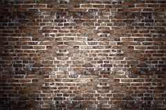 Schwarze Backsteinmauer für Hintergrund stockfotos