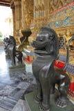 Schwarze Bronzekylin Statuen stockfotos