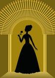 Schwarze Dame mit Blumenschattenbild im Golden Gate, luxuriöse Schablone für Balleinladung, Mitteilung in der Weinleseart Lizenzfreies Stockbild